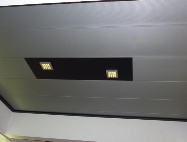 Deckenelement mit LED-Strahlern